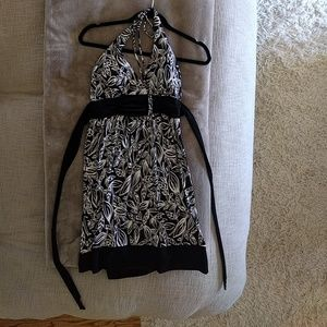 Dresses & Skirts - Black and White halter dress